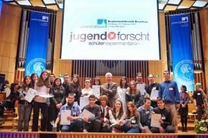 Das Galabov-Team gewinnt zum 3. Mal den Jugend forscht-Schulpreis für die erfolgreichste Schule.